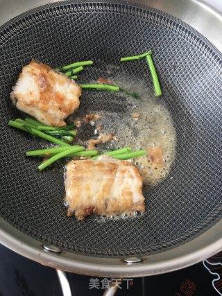 茼蒿炖带鱼的做法_茼蒿炖带鱼怎么做_不做妖精好多年的菜谱