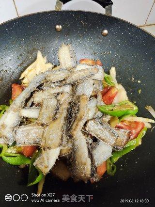 生姜炒带鱼的做法_生姜炒带鱼怎么做_逝去的爱情的菜谱