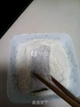煎带鱼的做法_煎带鱼怎么做_政妈妈的菜谱