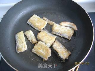红烧带鱼的做法_红烧带鱼怎么做_A苹果小厨的菜谱