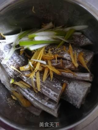 烤带鱼的做法_烤带鱼怎么做_乐:在吃的菜谱