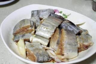 香酥带鱼的做法_吃过就忘不掉的香酥带鱼_香酥带鱼怎么做_黄豆豆的一家的菜谱