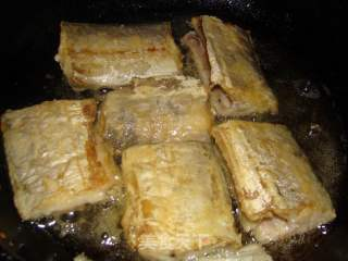 红烧带鱼的做法_红烧带鱼怎么做_给宝贝做的饭的菜谱