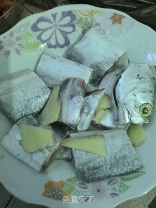 番茄烧带鱼的做法_番茄烧带鱼怎么做_胖子的小公举的菜谱