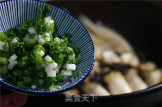 酱香小黄鱼的做法_酱香小黄鱼怎么做_牛妈厨房的菜谱