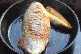 家炖大黄鱼的做法_家炖大黄鱼怎么做_小草根家庭美食的菜谱