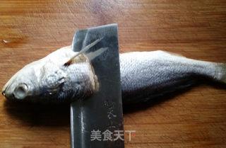 松鼠黄鱼的做法_【江苏】松鼠黄鱼_松鼠黄鱼怎么做_老方小雨的菜谱