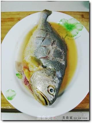 香酥酸甜黄鱼的做法_香酥酸甜黄鱼怎么做_菜谱