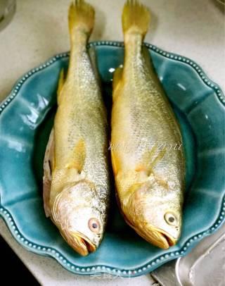 红烧大黄鱼的做法_红烧大黄鱼怎么做_冰蓝紫羽的菜谱
