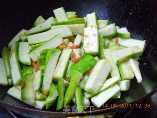 白油丝瓜的做法_【川菜】白油丝瓜。_白油丝瓜怎么做_菜谱