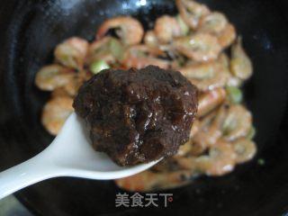 豆瓣酱炒虾的做法_豆瓣酱炒虾怎么做_胖子厨娘的菜谱