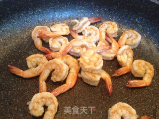 藏红花虾仁炒饭的做法_藏红花虾仁炒饭怎么做_菜谱