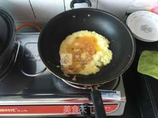 香肠虾米鸡蛋饼的做法_香肠虾米鸡蛋饼怎么做_社会你喵姐的菜谱