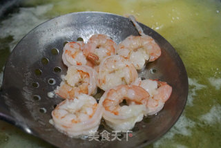 翡翠虾仁的做法_翡翠虾仁怎么做_食趣菜菜屋的屋的菜谱