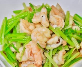 芹菜炒虾仁的做法_芹菜炒虾仁怎么做_霖食记的菜谱