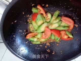 西红柿虾皮炒丝瓜的做法_西红柿虾皮炒丝瓜怎么做_爱厨房的吃货的菜谱