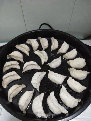 黄瓜虾仁鸡蛋煎饺的做法_黄瓜虾仁鸡蛋煎饺怎么做_寻梦一ZbDu的菜谱