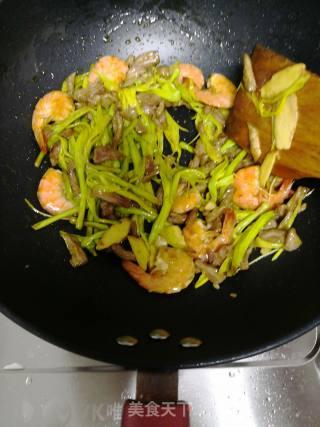 牛肉虾仁面的做法_牛肉虾仁面怎么做_依旧还是那个路口的菜谱