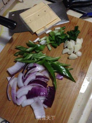 菠萝芝士炒虾仁的做法_菠萝芝士炒虾仁怎么做_是甜甜呀的菜谱