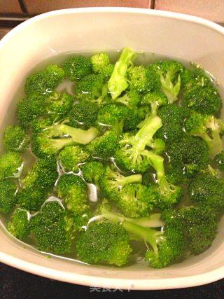 蒜茸虾仁西兰花的做法_蒜茸虾仁西兰花怎么做_农夫果园私房菜的菜谱