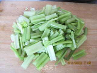 炝芹菜的做法_炝芹菜怎么做_秋雁红枫的菜谱