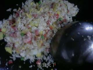 凤梨炒饭的做法_凤梨炒饭怎么做_菜谱