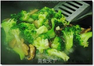 虾仁炒西兰花的做法_虾仁炒西兰花怎么做_菜谱
