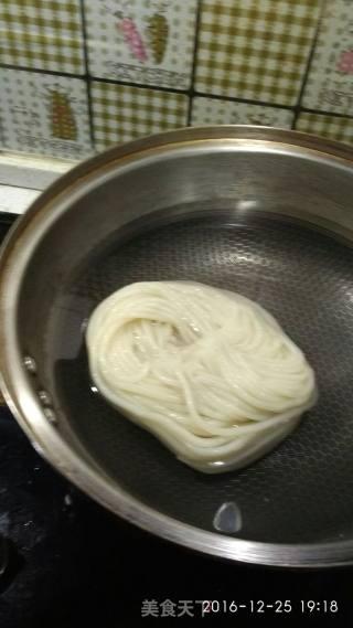 酱香炒米粉的做法_酱香炒米粉怎么做_村哥笃笃的菜谱
