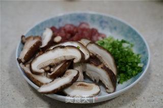 香菇磷虾炒饭的做法_香菇磷虾炒饭怎么做_牛妈厨房的菜谱