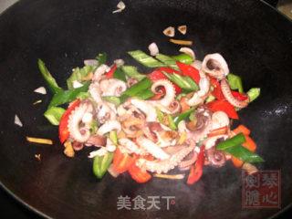 辣椒炒章鱼的做法_辣椒炒章鱼怎么做_菜谱