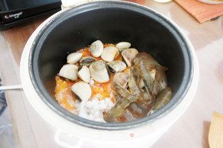 西班牙海鲜饭的做法_家庭改良版电饭锅——西班牙海鲜饭_西班牙海鲜饭怎么做_包包变的菜谱