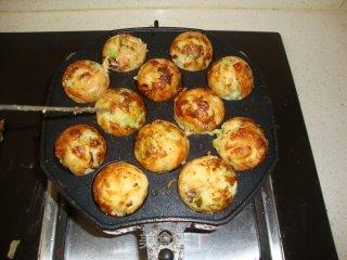 章鱼小丸子的做法_章鱼小丸子——一份美食   一份快乐_章鱼小丸子怎么做_丽制美食的菜谱