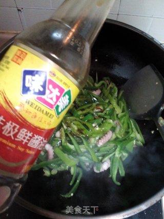 青椒炒章鱼的做法_#信任之美#青椒炒章鱼_青椒炒章鱼怎么做_政妈妈的菜谱