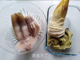 咸菜冬笋炒鱿鱼的做法_咸菜冬笋炒鱿鱼怎么做_小耿妈妈的菜谱