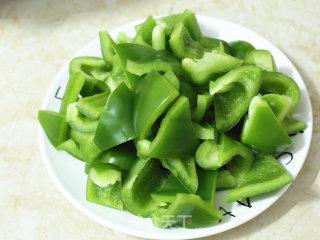 青椒炒鱿鱼的做法_青椒炒鱿鱼怎么做_蓝胖子不素胖纸的菜谱
