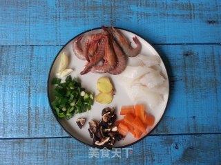 鲜虾鱿鱼粥的做法_鲜虾鱿鱼粥怎么做_豆帝煮Man的菜谱