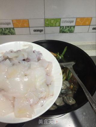 鲜鱿花蛤香辣锅的做法_【常德】鲜鱿花蛤香辣锅_鲜鱿花蛤香辣锅怎么做_牛妈厨房的菜谱