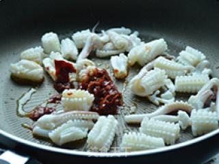 酱爆鱿鱼的做法_酱爆鱿鱼怎么做_juju菊娜的菜谱