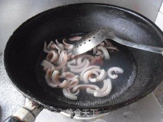 炒鱿鱼条的做法_炒鱿鱼条怎么做_馋嘴乐的菜谱