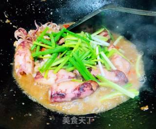 酱爆鱿鱼筒的做法_酱爆鱿鱼筒怎么做_杨小姐的厨房的菜谱