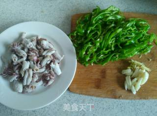 螺丝椒炒小鱿鱼的做法_螺丝椒炒小鱿鱼怎么做_卡米莎的菜谱
