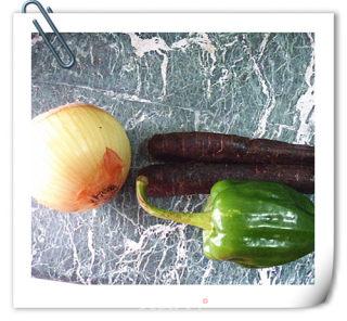 小炒紫色胡萝卜的做法_小炒紫色胡萝卜怎么做_绿野薄荷的菜谱