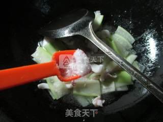 长瓜炒鱿鱼 的做法_长瓜炒鱿鱼 怎么做_花鱼儿的菜谱