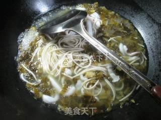 雪菜鱿鱼汤面的做法_雪菜鱿鱼汤面 _雪菜鱿鱼汤面怎么做_花鱼儿的菜谱