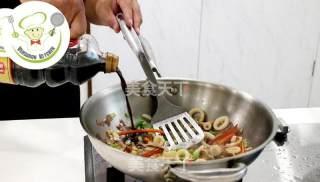 酱爆风味鱿鱼圈的做法_酱爆风味鱿鱼圈--威厨艺_酱爆风味鱿鱼圈怎么做_威捷朗家居的菜谱