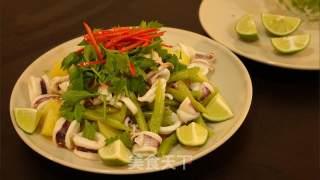 泰式凉拌鱿鱼的做法_泰式凉拌鱿鱼怎么做_苏卡苏卡的菜谱
