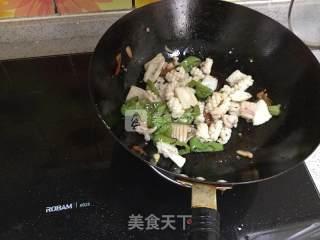 辣炒鱿鱼卷的做法_辣炒鱿鱼卷怎么做_张小默餐桌的菜谱