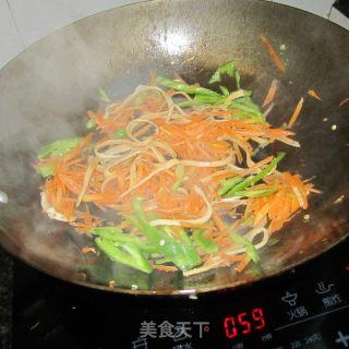 青椒鱿鱼萝卜丝的做法_青椒鱿鱼萝卜丝怎么做_水青青的菜谱