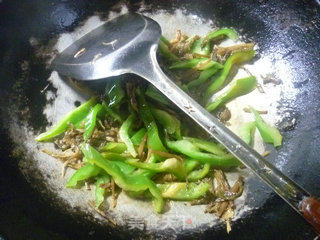 梅干菜青椒炒鱿鱼的做法_梅干菜青椒炒鱿鱼怎么做_花鱼儿的菜谱