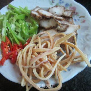 腊肉鱿鱼丝的做法_腊肉鱿鱼丝怎么做_水青青的菜谱